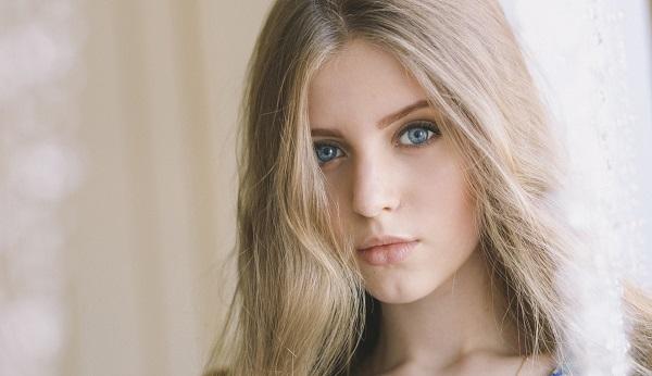 Дневной макияж для светлых волос и голубых глаз