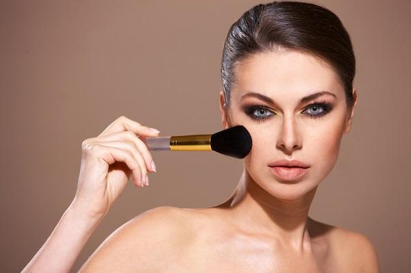 Как нанести макияж смоки айс