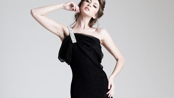 Естественный макияж под черное платье