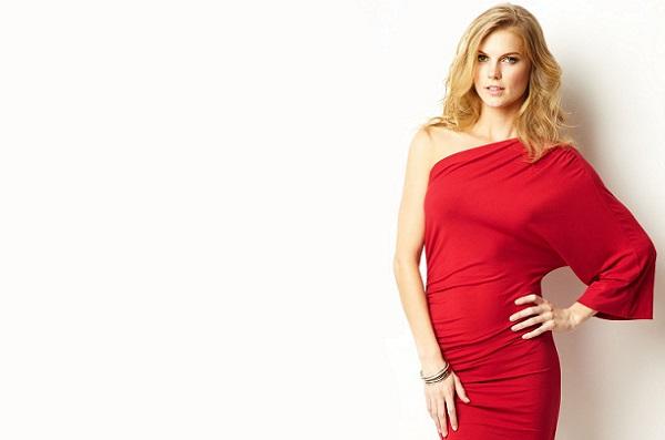 Макияж блондинка в красном платье фото