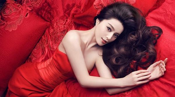 Макияж под красно черное платье