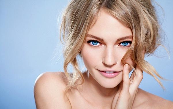 Подчеркивание глаз в естественном макияже