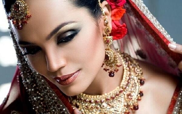Вариант свадебного индийского макияжа