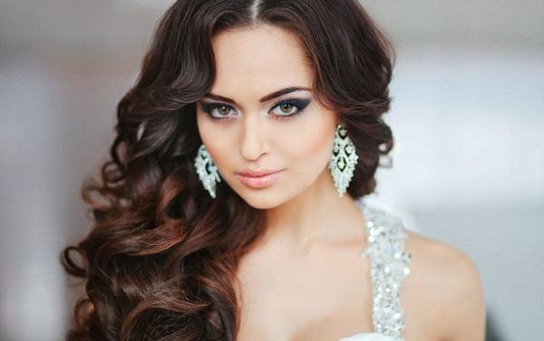 Свадебный макияж брюнетки с карими глазами