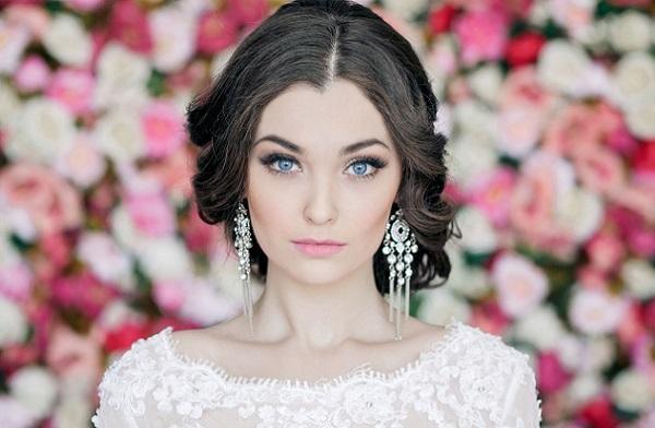 Макияж на свадьбу для невесты с голубыми