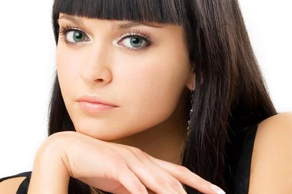 Вариант дневного макияжа для зеленых глаз