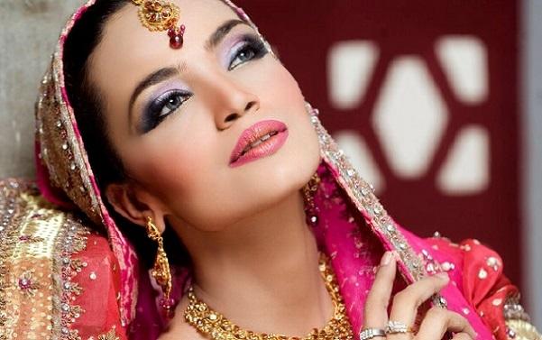 Вариант индийского макияжа