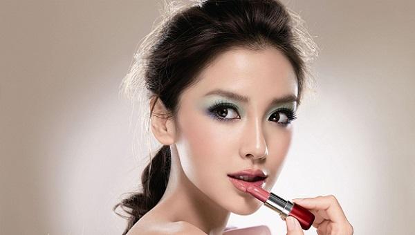 Вечерний азиатский макияж
