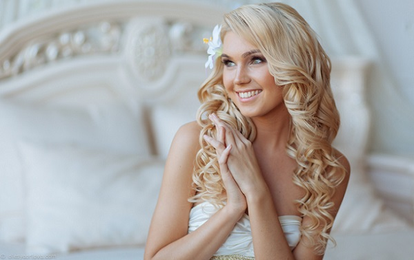 Макияж на свадьбу для блондинки с зелеными глазами
