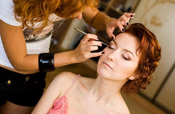 Нанесение макияжа на свадьбу для рыжих волос