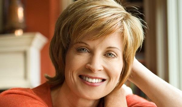 Натуральные оттенки в макияже для женщины