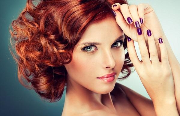 Вечерний макияж для девушки с рыжими волосами