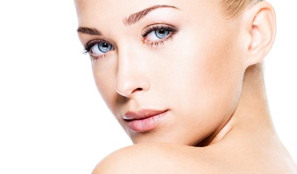 В нежном макияже косметика должна быть слабозаметной