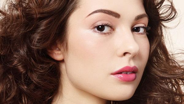 Существуют различные техники нанесения перманентного макияжа