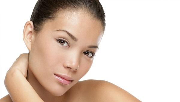 Сделать кожу гладкой и ровно - это задача тонального крема
