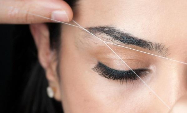 Использовать нить следует аккуратно, чтобы не повредить волоски