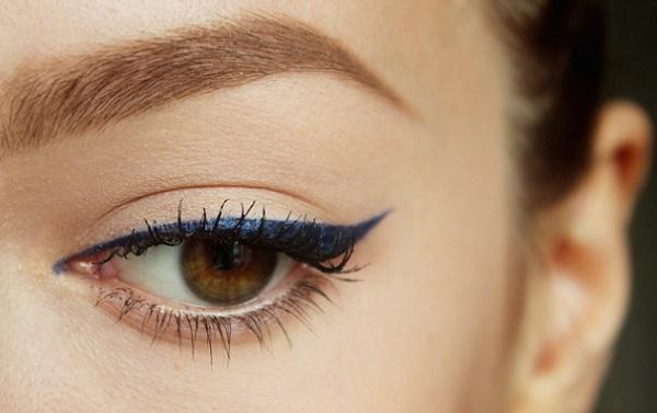 Стрелки на глазах помогут скорректировать трапециевидную форму
