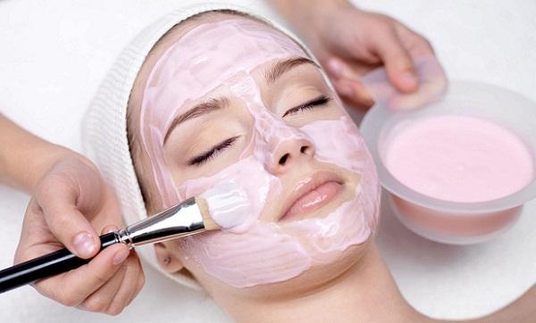 Маска оказывает на кожу ряд положительных эффектов, необходимых для ее здорового состояния