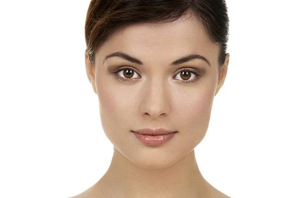 С помощью верно подобранного макияжа можно сгладить недостатки квадратного лица