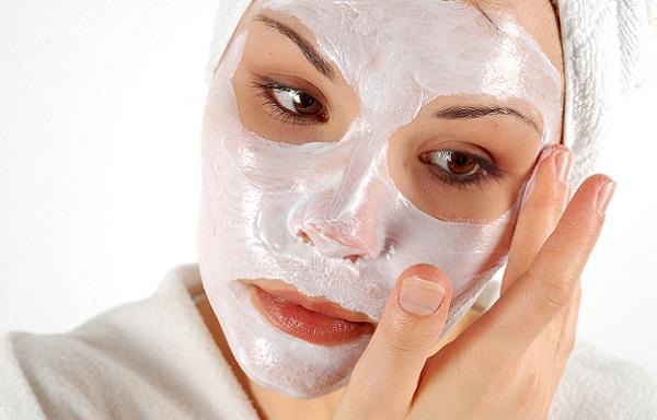 В зависимости от необходимости и состава маски, регулярность процедур может разниться