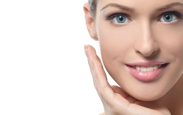 От выбора основы для макияжа зависит его качество и стойкость