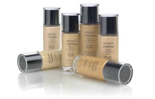 При нанесении макияжа следует использовать несколько оттенков тонального крема