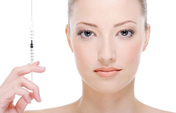 Помимо макияжа для коррекции носа применяются филлеры
