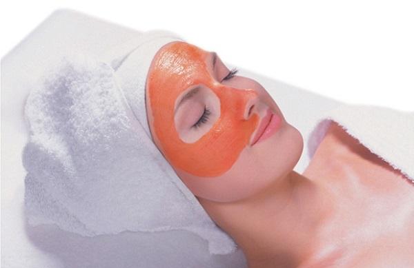 Увлажняющего эффекта можно добиться с помощью маски из моркови