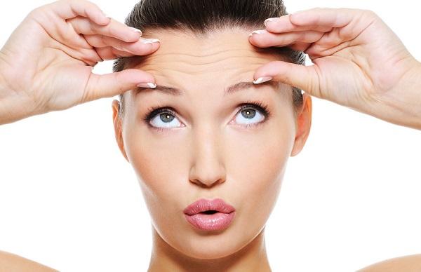 Коллагеновая маска позволяет разгладить морщины и улучшить состояние кожи
