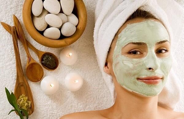 При различных проблемах кожи лица следует выбирать свою маску