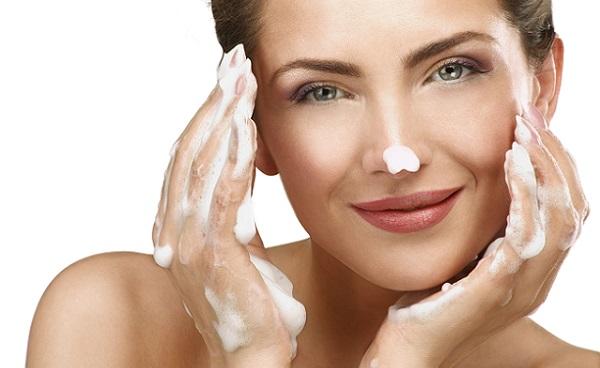 Для проблемной кожи также следует применять мусс