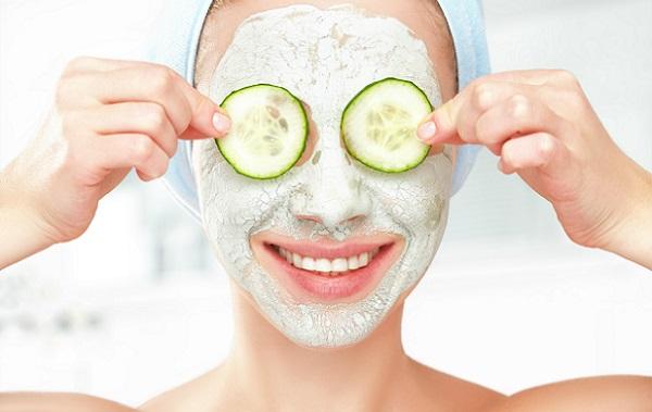 Приготовленная на основе огурца маска поможет очистить кожу лица