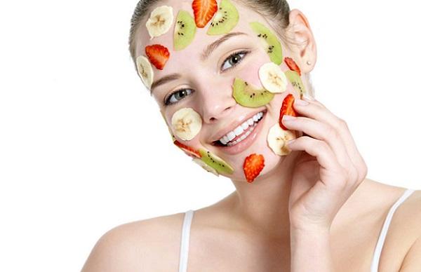 Уход за любым типом кожи можно обеспечить с помощью оливкового масла и фруктов