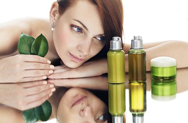 Для ухода за лицом рекомендуется применять натуральные масла