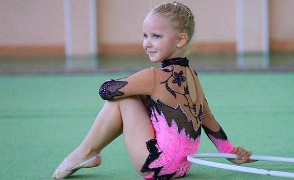 Гимнастка с макияжем