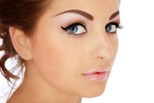 Брови с перманентным макияжем