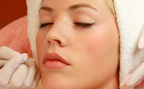 Нанесение макияжа на губы