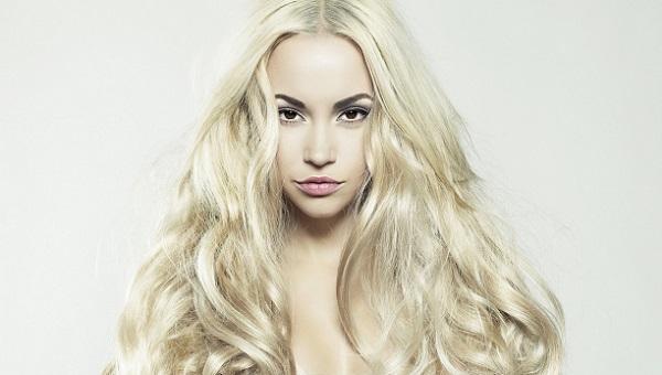 Макияж для кареглазой блондинки