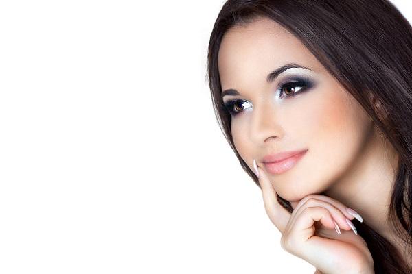 Вечерний макияж для брюнетки