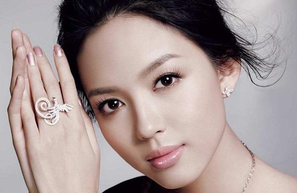 Азиатский стиль макияжа