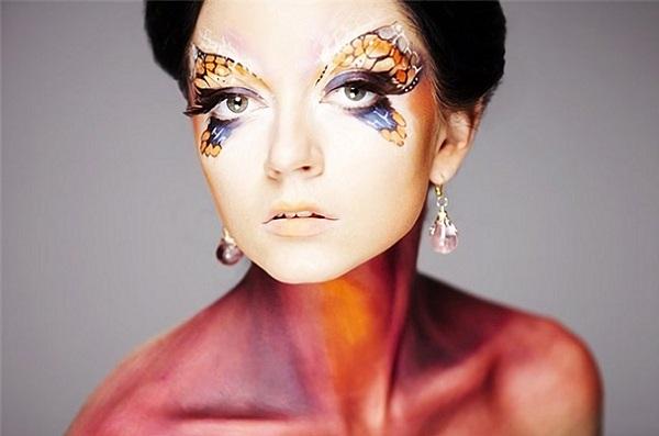 Дополняющий боди-арт макияж