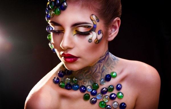 Художественный арт-макияж
