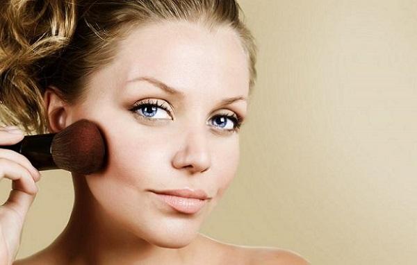 Румяна - необходимый атрибут дневного макияжа