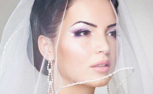 Сиреневые оттенки в свадебном макияже