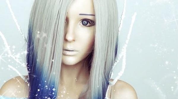 Цвет и прическа играют роль в аниме-макияже