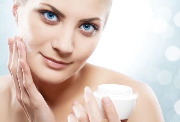 Увлажнение кожи перед макияжем
