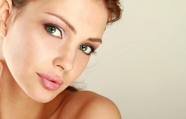Вариант дневного макияжа