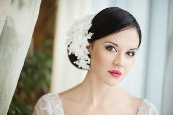 Вариант свадебного макияжа для карих глаз