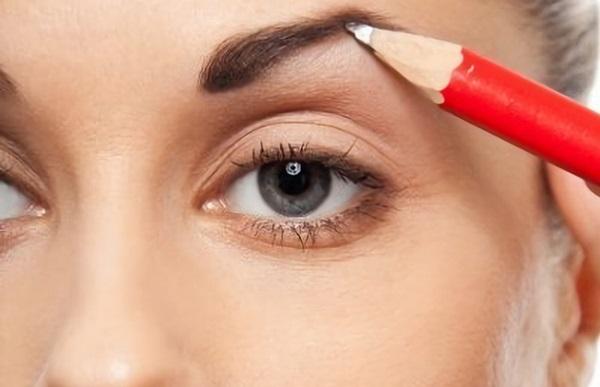 Альтернативой макияжу может стать перманентный карандаш