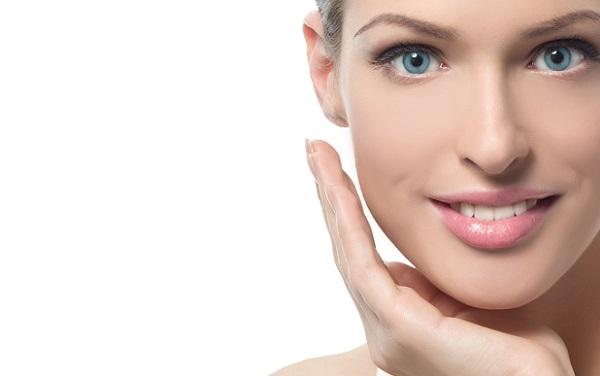 Нежный макияж для голубых глаз